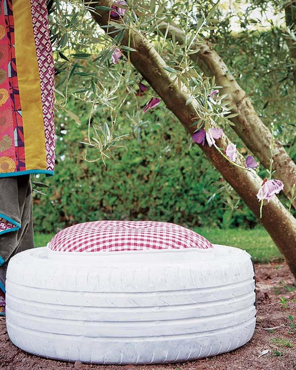 http://diy-enthusiasts.com/diy-home/diy-garden-projects-shade-stool-chair/